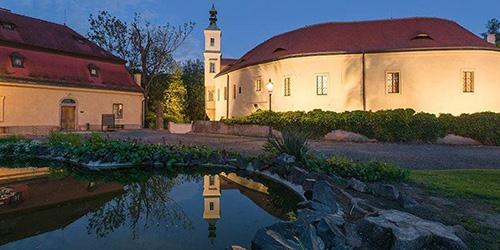 Zámek Roztoky - Středočeské muzeum v Roztokách u Prahy